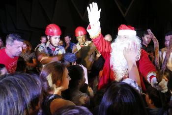 Papai Noel chega neste domingo, às 20h30, em frente à Catedral