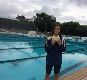 Atleta representa Cascavel no Brasileiro Interclubes de Natação no Rio
